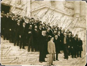Conferência Pan-Americana do Rio de Janeiro, 1906. Joaquim Nabuco, representante brasileiro, aparece à direita, de paletó aberto