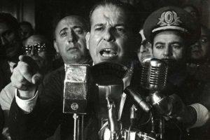 João Goulart discursa no Automóvel Cube do Rio de Janeiro, em 30 de março de 1964