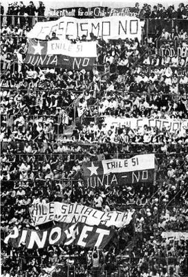 Protesto contra a ditadura de Pinochet de chilenos exilados na Alemanha em jogo do Chile na Copa do Mundo de 1974