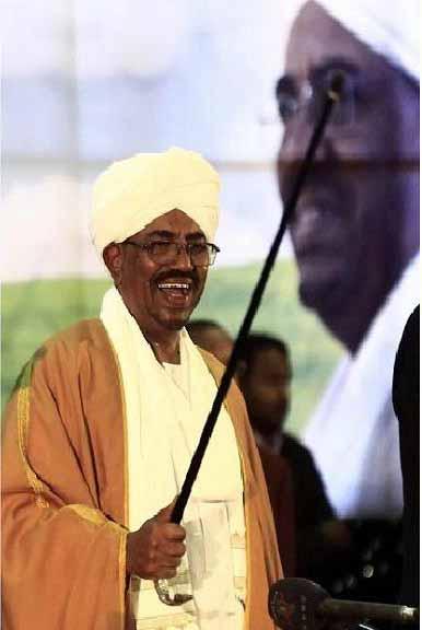 Omar al-Bashir, o deposto ditador do Sudão. O Nilo dos Cadáveres.