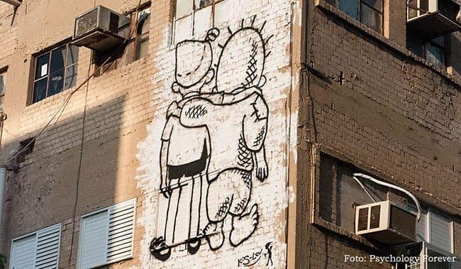 Grafite de Jonathan Kis-Lev, em Tel Aviv, invoca a amizade entre judeus e palestinos