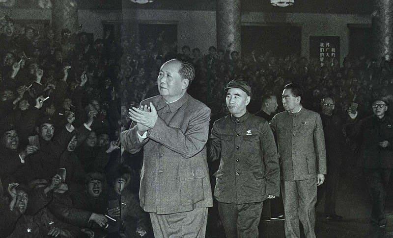Mao Tsé-tung, Lin Biao e Zhou Enlai visitam soldados em 13 de novembro de 1967.